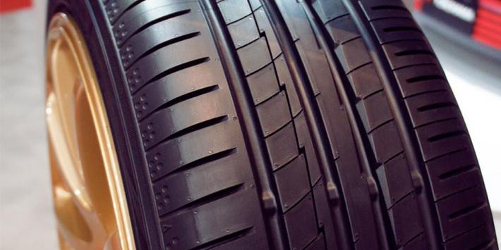 Avis pneus Yokohama BLUEARTH-A AE50