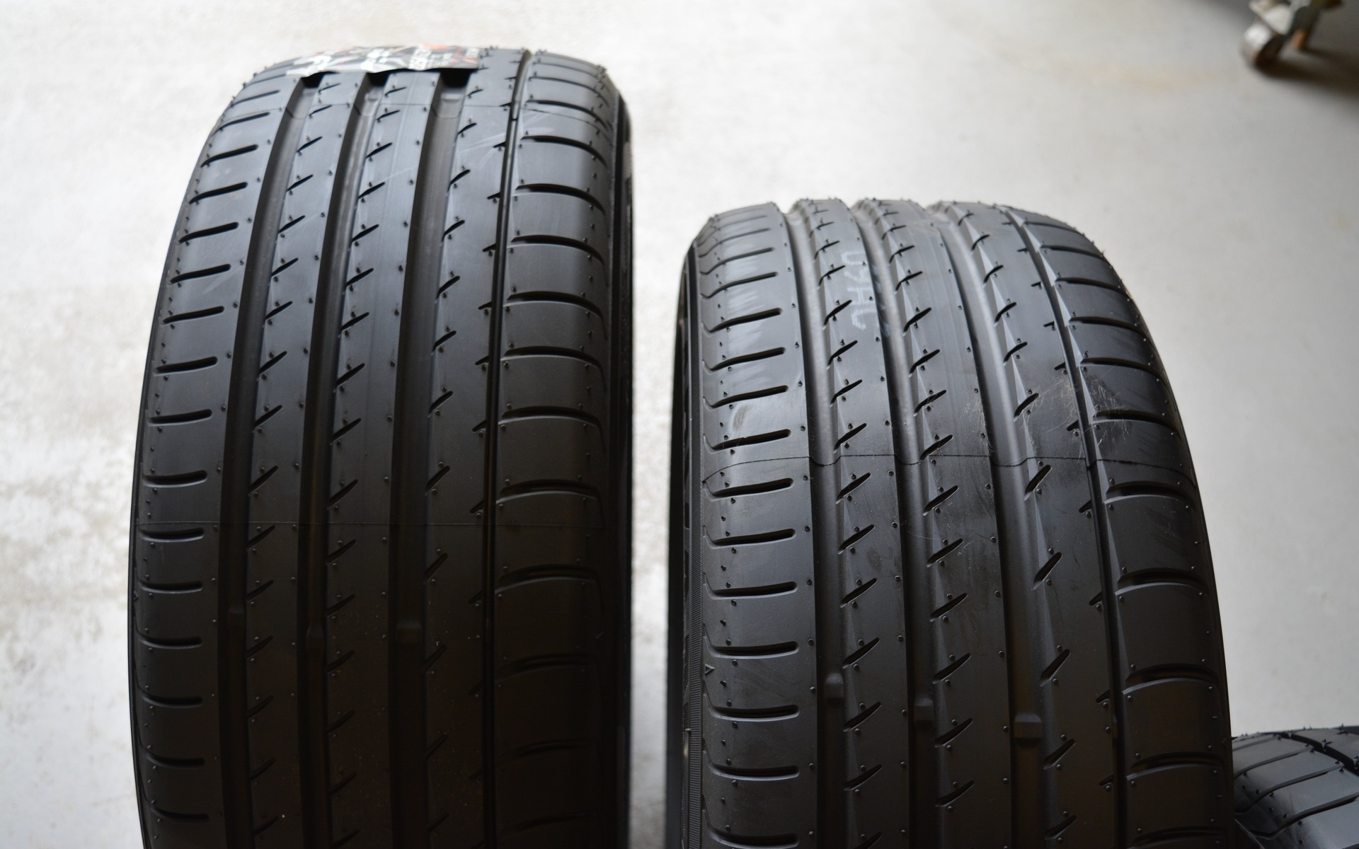 Avis pneus Yokohama ADVAN SPORT BLUEARTH V105