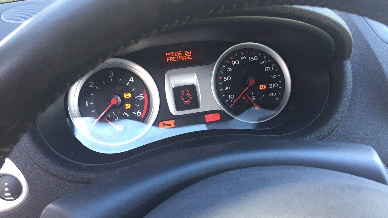 Comment résoudre un problème de voyant clé sur une Clio 3 ?